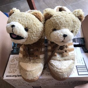 "Adidas Jeremy scott ""Teddy Bear"" shoes"